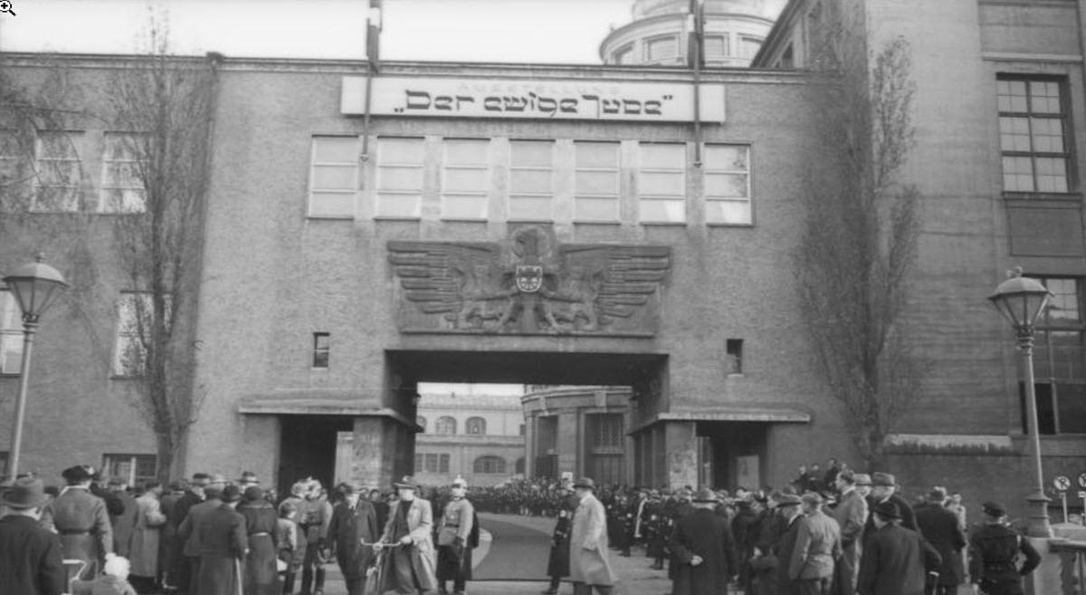 מדיניות הנאצים כלפי היהודים